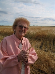 Elsie Goresky on near Vegreville in 2001